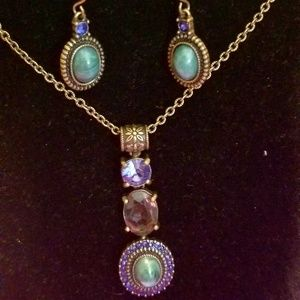 Stunning jeweled necklace earring set by NRT